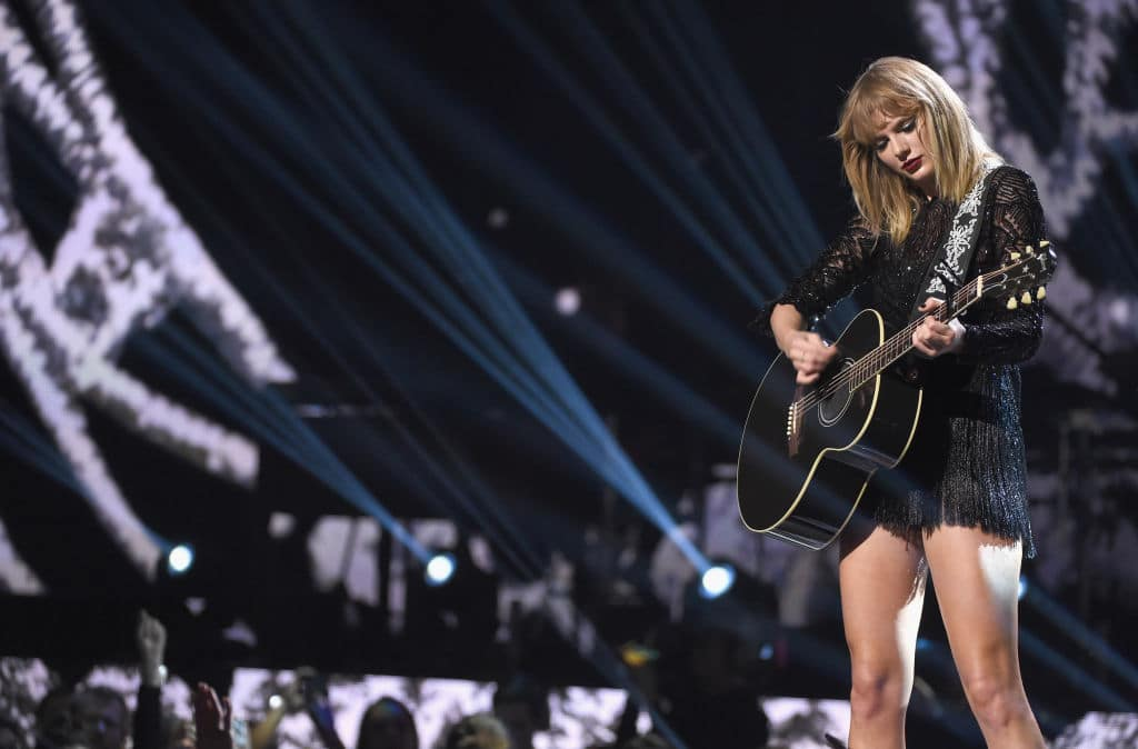 Let's hope Taylor doesn't end up writing a nasty breakup song about Joe. (Getty Images)
