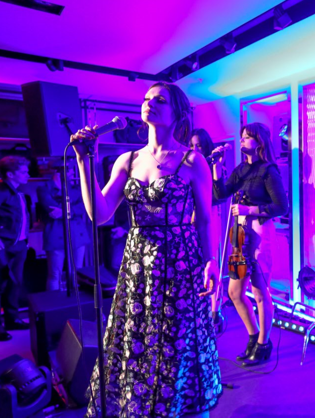 Singer Sophie Ellis-Bextor entertained the guests with some crushing live music (TUMI)