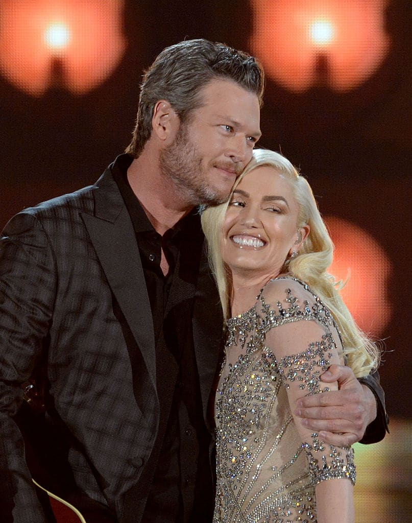Recording artists Blake Shelton (L) and Gwen Stefani perform onstage during the 2016 Billboard Music Awards at T-Mobile Arena on May 22, 2016 in Las Vegas, Nevada. (Photo by Kevin Winter/Getty Images)