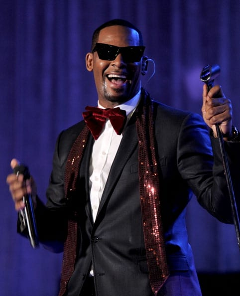 Singer R. Kelly performs at the 2011 Pre-GRAMMY Gala and Salute To Industry Icons Honoring David Geffen at Beverly Hilton on February 12, 2011 in Beverly Hills, California. (Photo by Larry Busacca/Getty Images)
