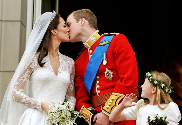 Will and Kate's legendary balcony kiss in 2011 (Getty Images)