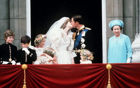Prince Charles and lady Diana's balcony kiss (Getty Images)
