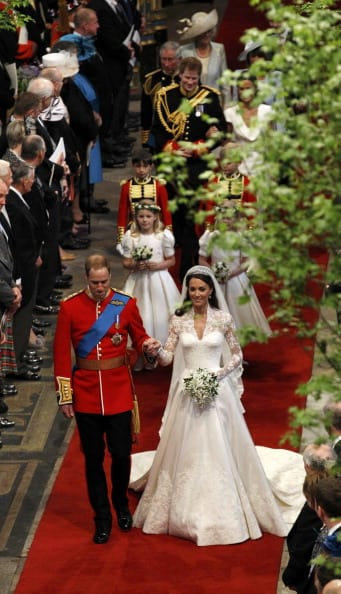 Will and Kate walk down the aisle (Getty Images)