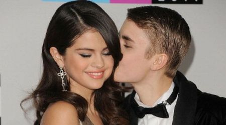 Selena Gomez can't seem to get Justin Bieber off her mind