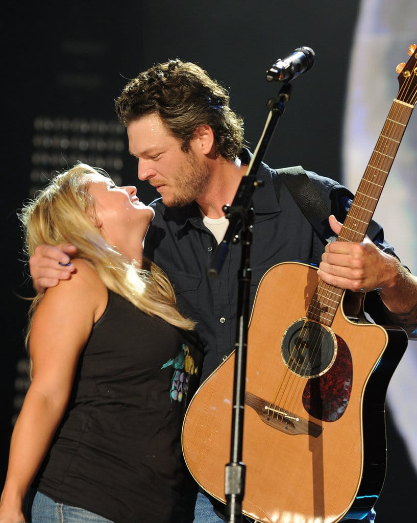 Singer/Songwriter Blake Shelton is joined by Singer/Sonwriter and Fiancee Miranda Lambert during the 2010 CMA Music Festival on June 13, 2010 in Nashville, Tennessee. (Photo by Rick Diamond/Getty Images)