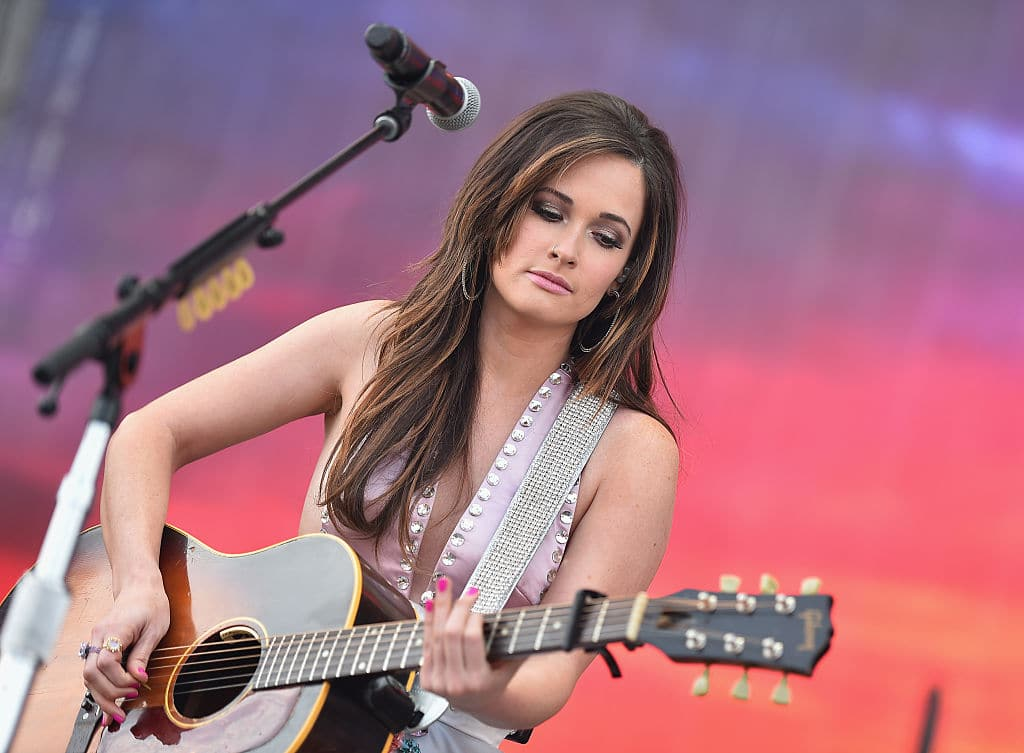 New artists like Kacey Musgraves are slowly pushing the boundaries of the country genre. (Image Source: Michael Loccisano/Getty Images for Turner)