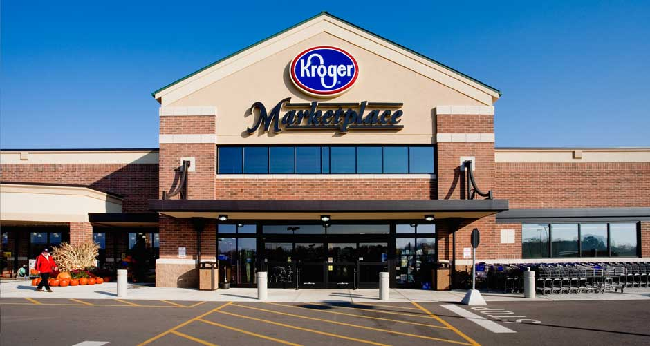 The incident occurred outside a Kroger Marketplace in Knoxville, Tennessee.