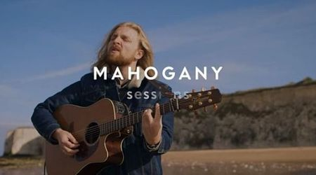 Watch: Alex Lleo shares debut on Mahogany Session, announces Scottish tour