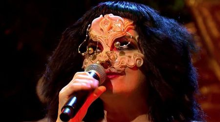 Watch Björk's first TV performance in eight years on 'Jools Holland'
