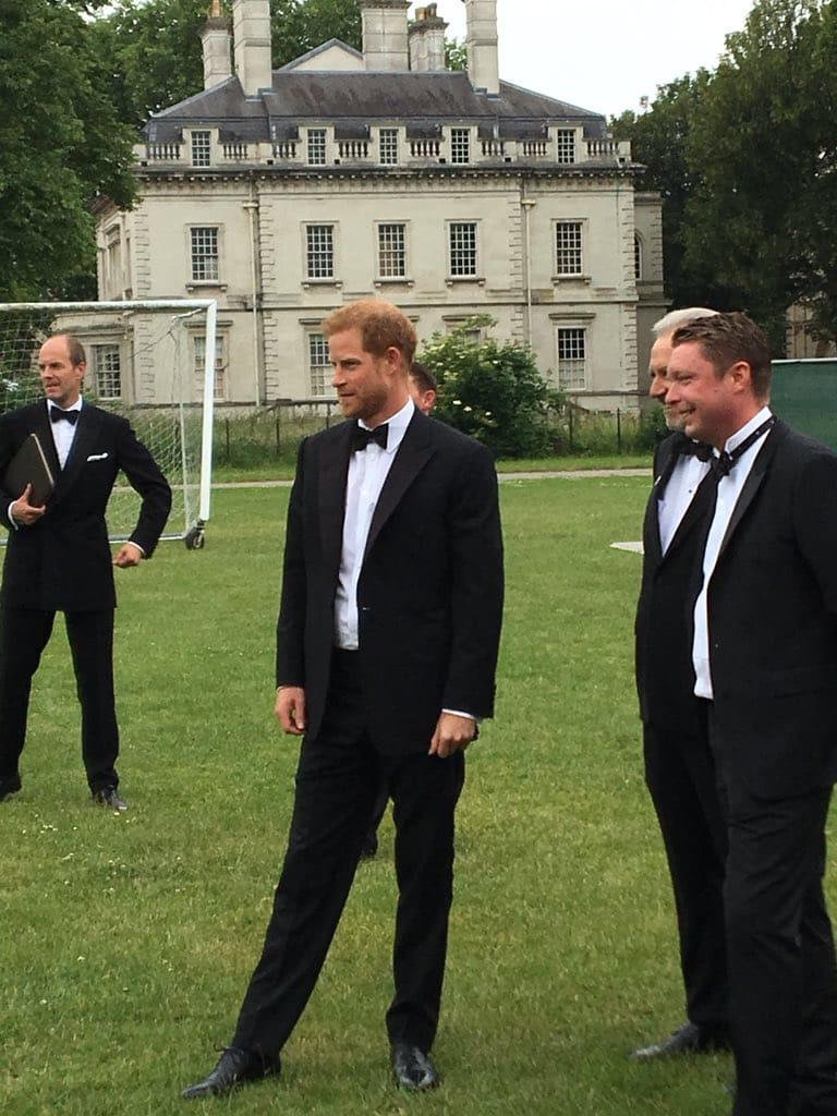 Prince Harry spotted for the first time since his return from honeymoon (Twitter)