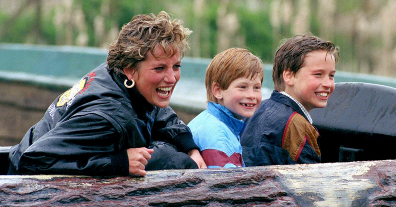 Princess Diana, Prince Harry and Prince William (Source: Twitter)