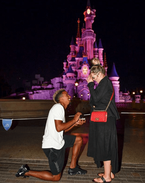 Scott Sinclair proposing to Helen Flanagan (Source: scotty__sinclair, Instagram)