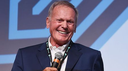 Tab Hunter, 50s heartthrob and gay icon, dies at the age of 86