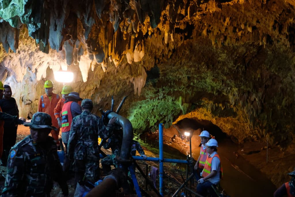 Thai officers supervise the rescue mission inside Tham Luang Nang Non cave on June 28, 2018 in Chiang Rai, Thailand. (Getty Images)
