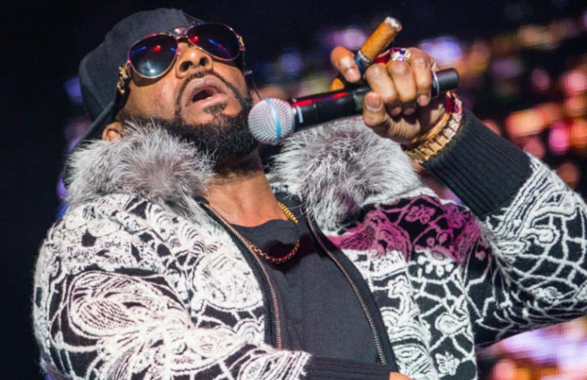 R. Kelly's new single 'I Admit' flatly refuses all the sexual misconduct allegations against the R&B singer. (Image Source: Twitter)