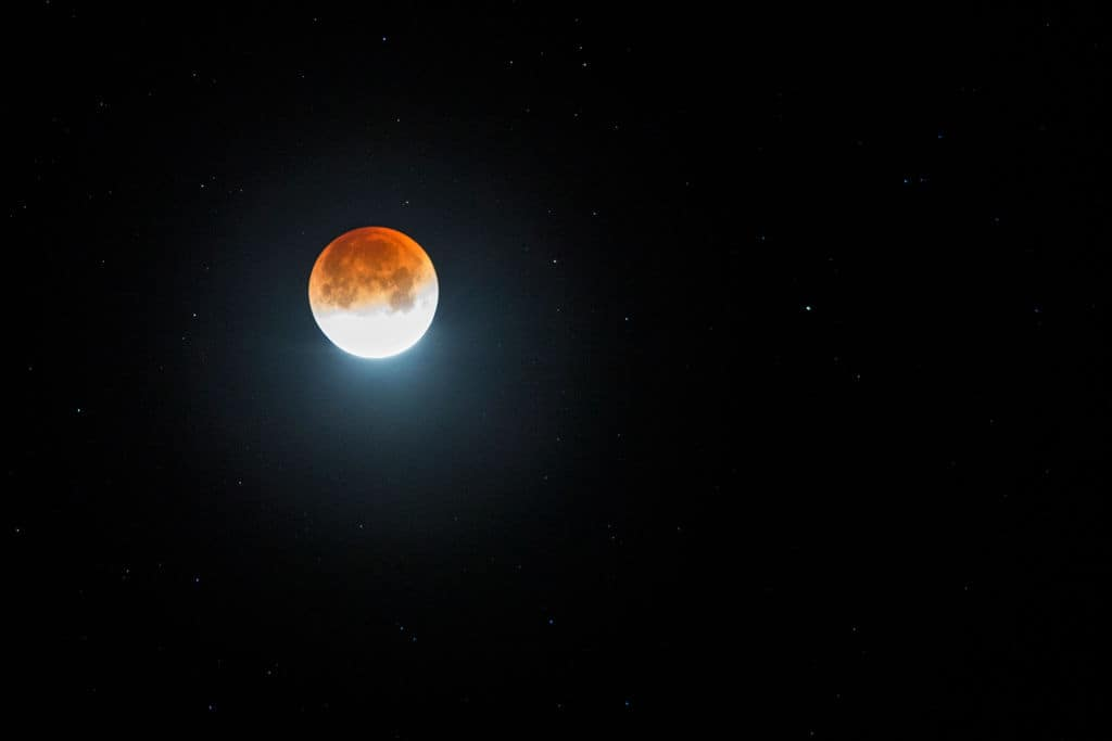 Lucky eastern hemisphere residents can catch both the blood moon and the shower (Source: David McNew/Getty Images)