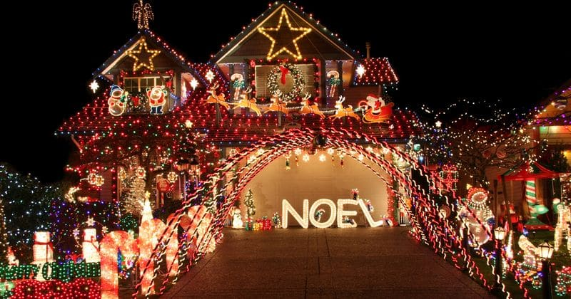 People who put up Christmas decorations earlier are happier, according to new research