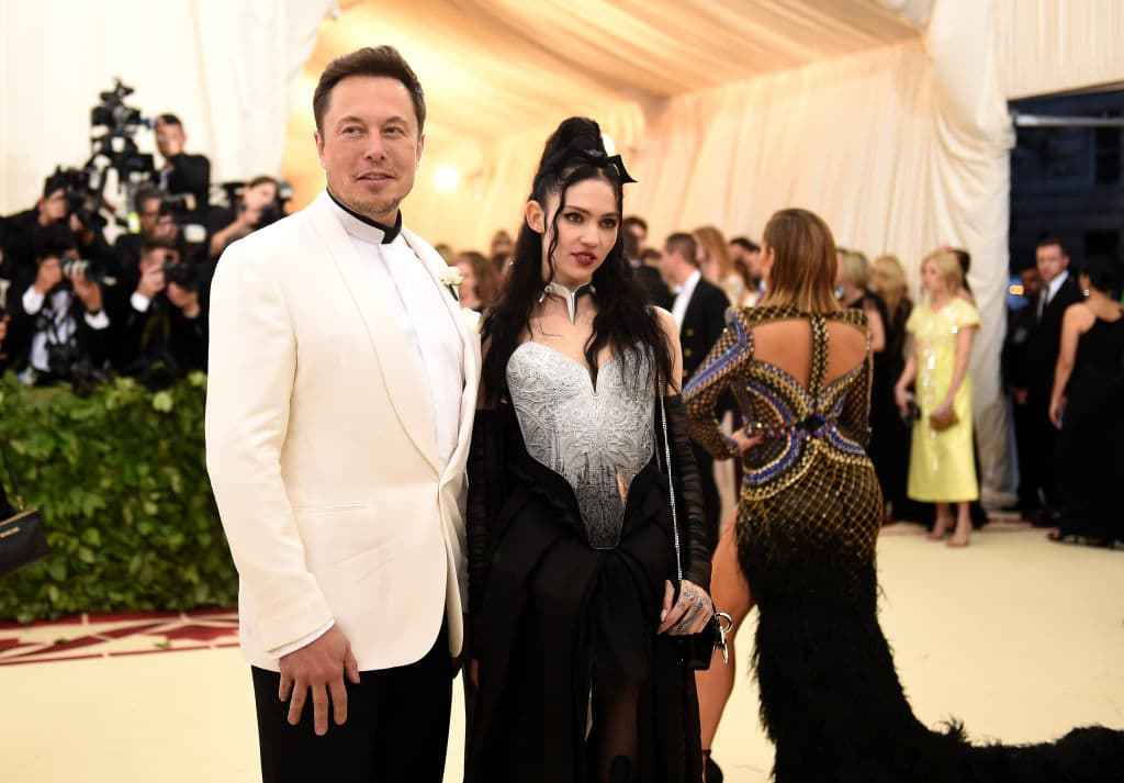 Elon Musk and Grimes attend the Heavenly Bodies: Fashion & The Catholic Imagination Costume Institute Gala at The Metropolitan Museum of Art on May 7, 2018 in New York City. (Photo by Jason Kempin/Getty Images)