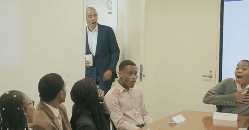 Barack Obama surprises teen interns by crashing Youth Jobs Corps meeting: 'How is everybody doing?'