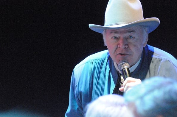 Roy Clark talks at Center Stage at The Opry celebrating Minnie Pearl's 100th at The Grand Ole Opry on October 22, 2012, in Nashville, Tennessee. (Photo by Beth Gwinn/Getty Images)