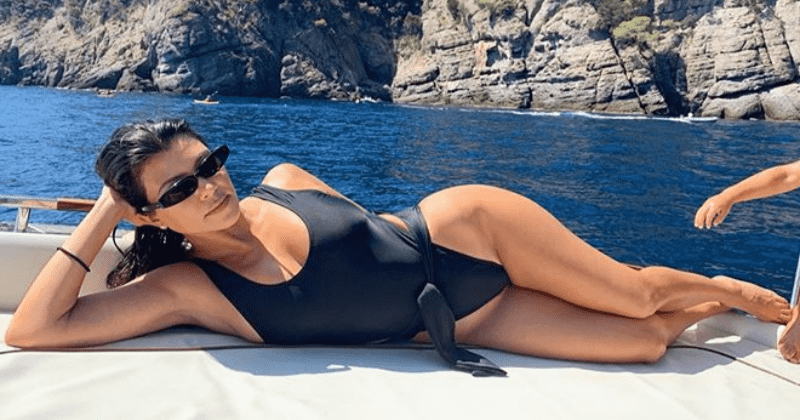 Kourtney Kardashian praised for showing off her stretch marks in unedited swimsuit snap