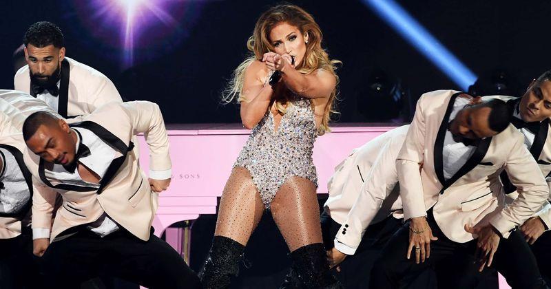 Super Bowl 2020 Halftime Show Performer.Jennifer Lopez S Super Bowl 2020 Halftime Show Deal Almost