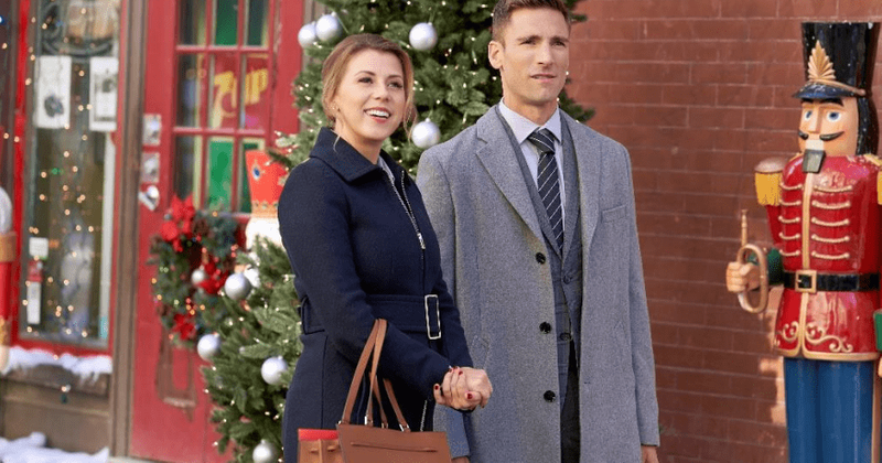 A Dream Of Christmas Cast.Merry And Bright On Hallmark Release Date Plot Cast