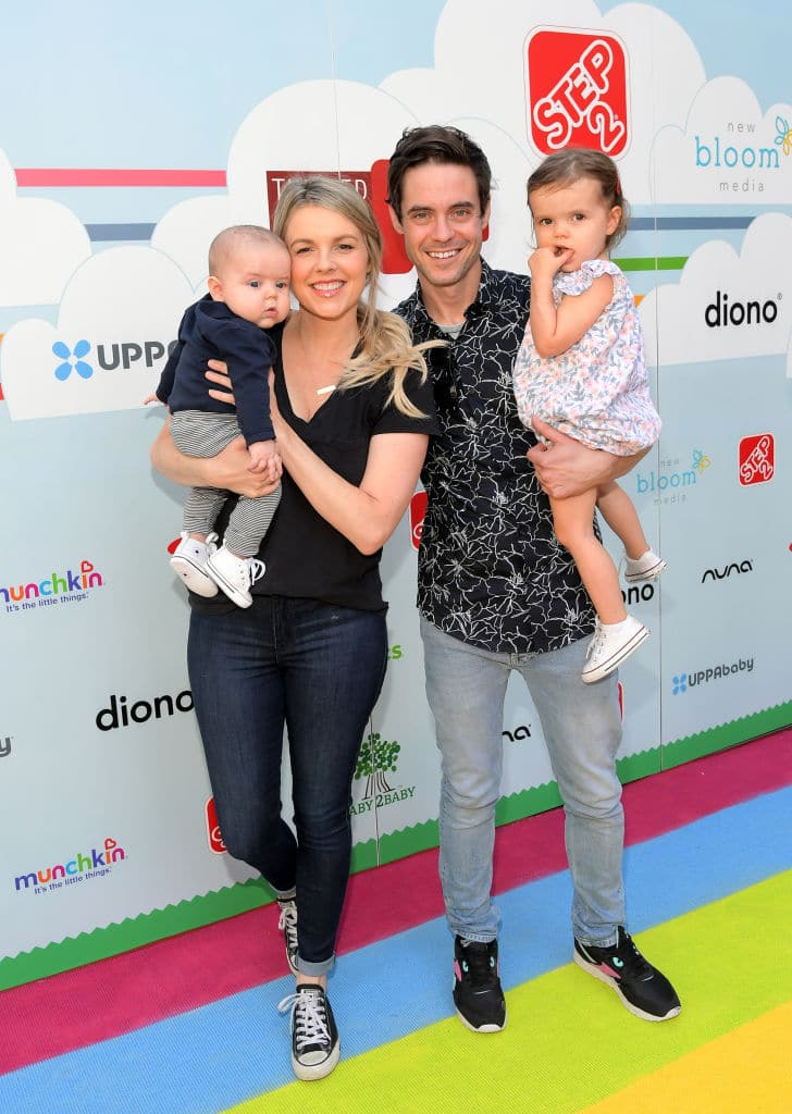 Ali Fedotowsky and Kevin Manno with children Molly and Riley (Getty Images)