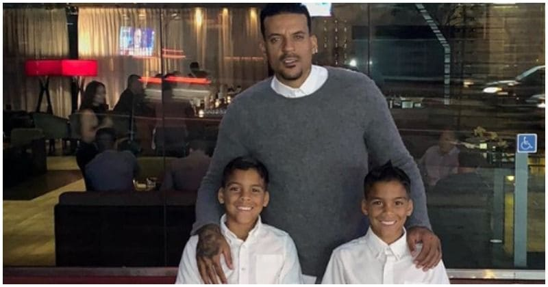 Matt Barnes spends some quality time bowling with his twins