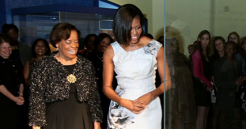 Michelle Obamas Mother Marian Was Most Beloved Figure And Did Her Own Laundry In -9343