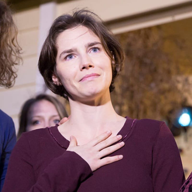 Amanda Knox speaks to the media during a brief press conference in front of her parents' home in March 27, 2015, in Seattle, Washington. (Getty Images)