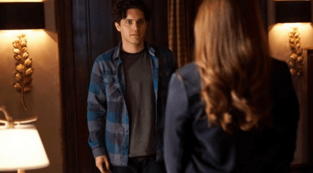 'Legacies': New fan theory suggests that the knife is a ticket to the other dimension for monsters