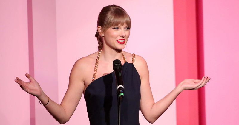 Cats\u0027 trailer sees Taylor Swift shaking her cat boobs and