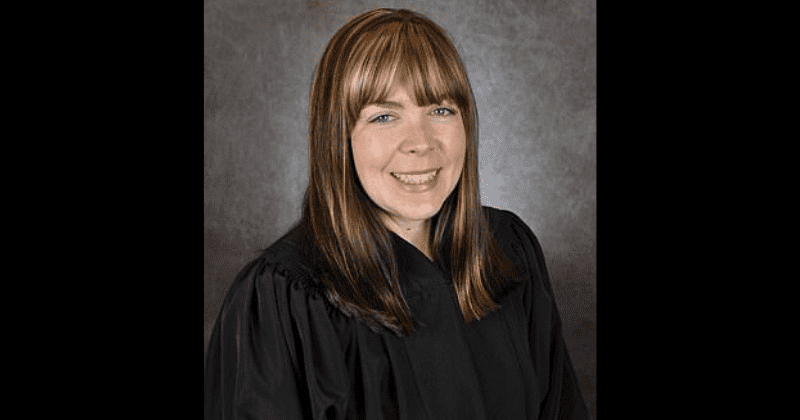 Kinky Kentucky family court judge accused of having threesomes in chambers, pressuring attorneys into group sex