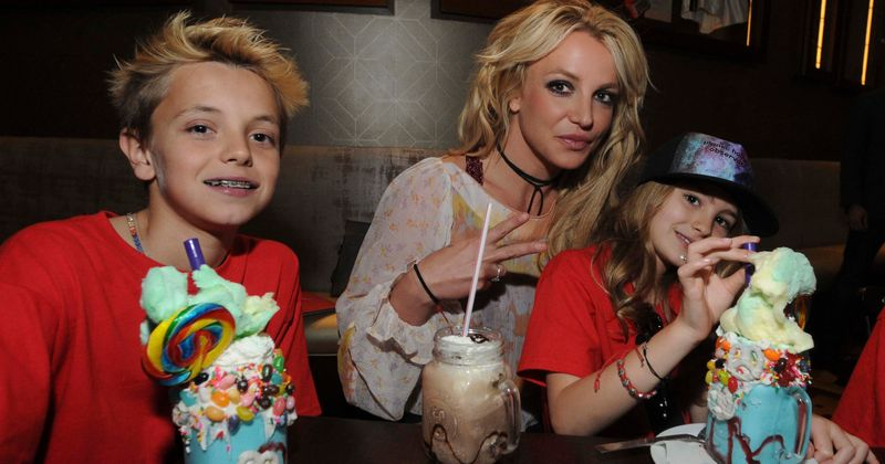 Britney Spears Son Jayden 13 Says She Might Quit Music Calls Her Dad A D K Amid Conservatorship Row Meaww