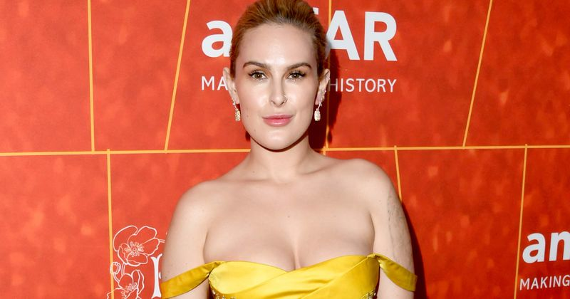 Rumer Willis sizzles in sexy lingerie in new bedroom pics and video, says 'it's OK not to be perfect'