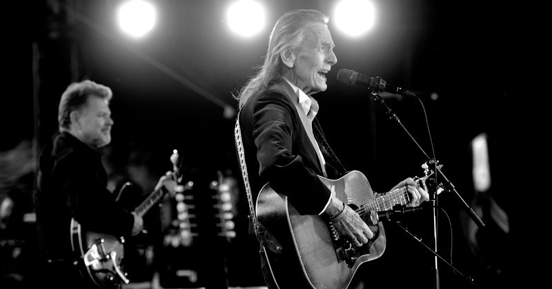 'Gordon Lightfoot: If You Could Read My Mind' Review: This candid look at the legendary artist is a must watch