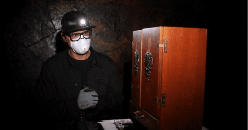 'Ghost Adventures: Quarantine' Finale: Bagans opens the infamous Dybbuk box and all hell breaks loose