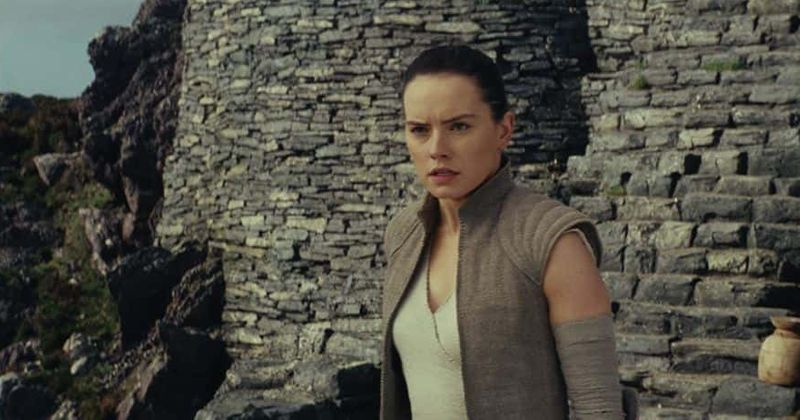 'Star Wars: The Last Jedi' trends as fans call film a masterpiece, but naysayers say it's 'the worst'