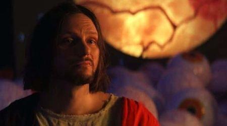 Doom Patrol Season 2 Finale Bro Jesus Is The Most Badass Imaginary Friend Of All Time Meaww