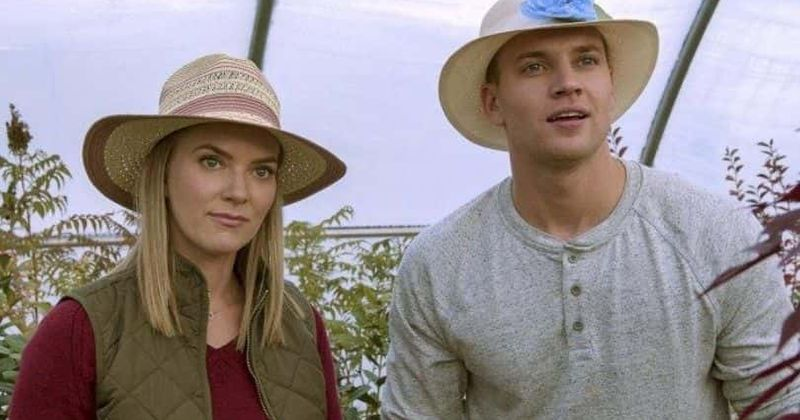 'Follow Me to Daisy Hills': Meet Cindy Busby and rest of the cast of Hallmark's romantic drama