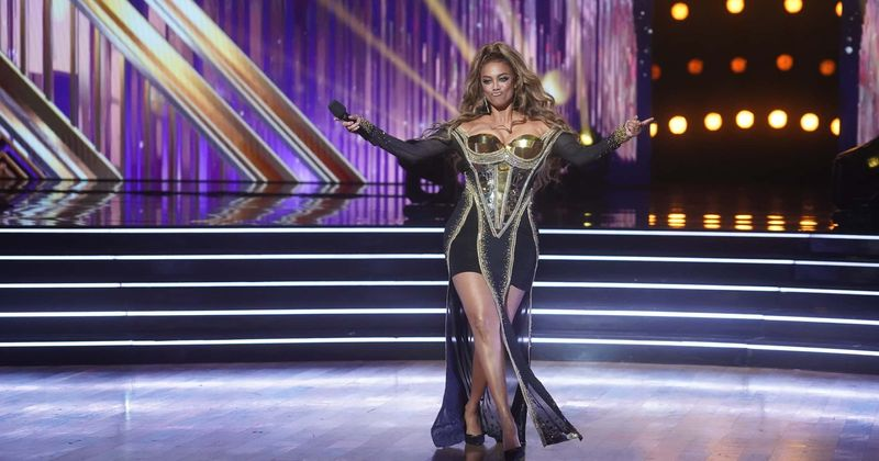 'Dancing With The Stars': Tyra Banks slammed for rushing