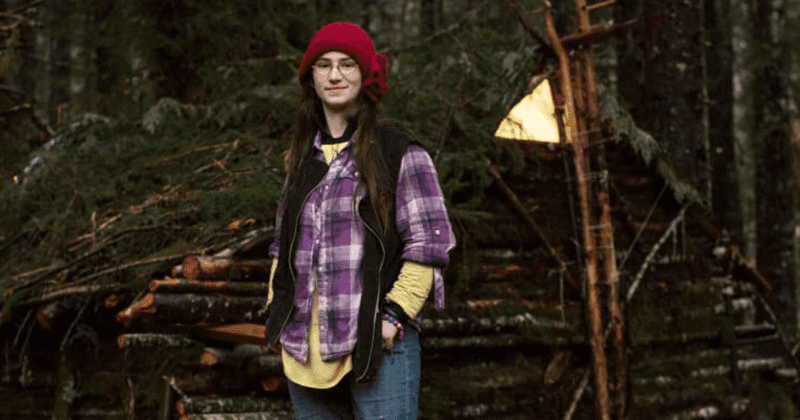'Alaskan Bush People': Snowbird skins a dead rat to make slippers, fans say this time she 'took it too far'