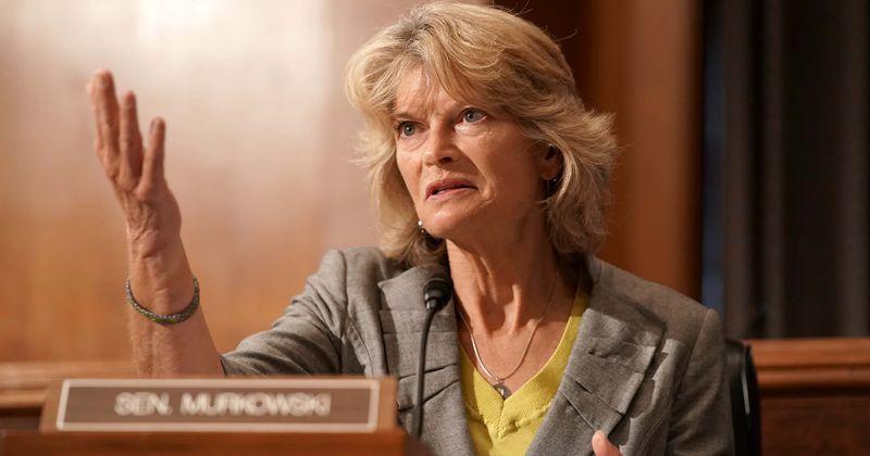 Senator Lisa Murkowski to back Trump's Supreme Court nominee Amy Coney Barrett, Internet calls her 'traitor'