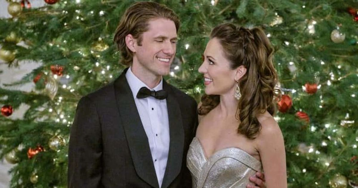 One Royal Holiday Release Date Plot Cast And All You Need To Know About Hallmark S Christmas Movie Meaww