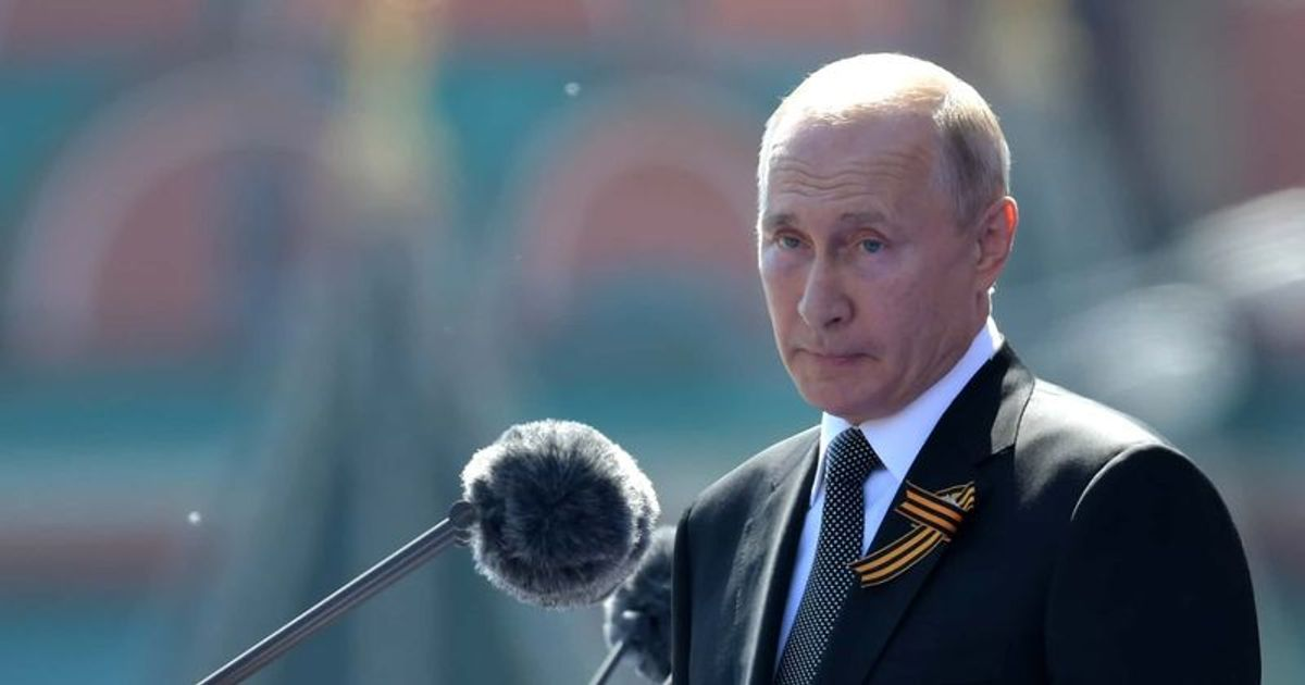 Vladimir Putin S Net Worth Is Russian President Richer Than Jeff Bezos A Look At His Colossal Wealth And Empire Meaww