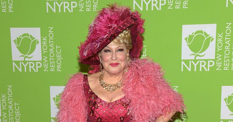 Bette Midler slams Supreme Court Covid-19 ruling allowing religious gatherings: 'Doctors and nurses should sue'