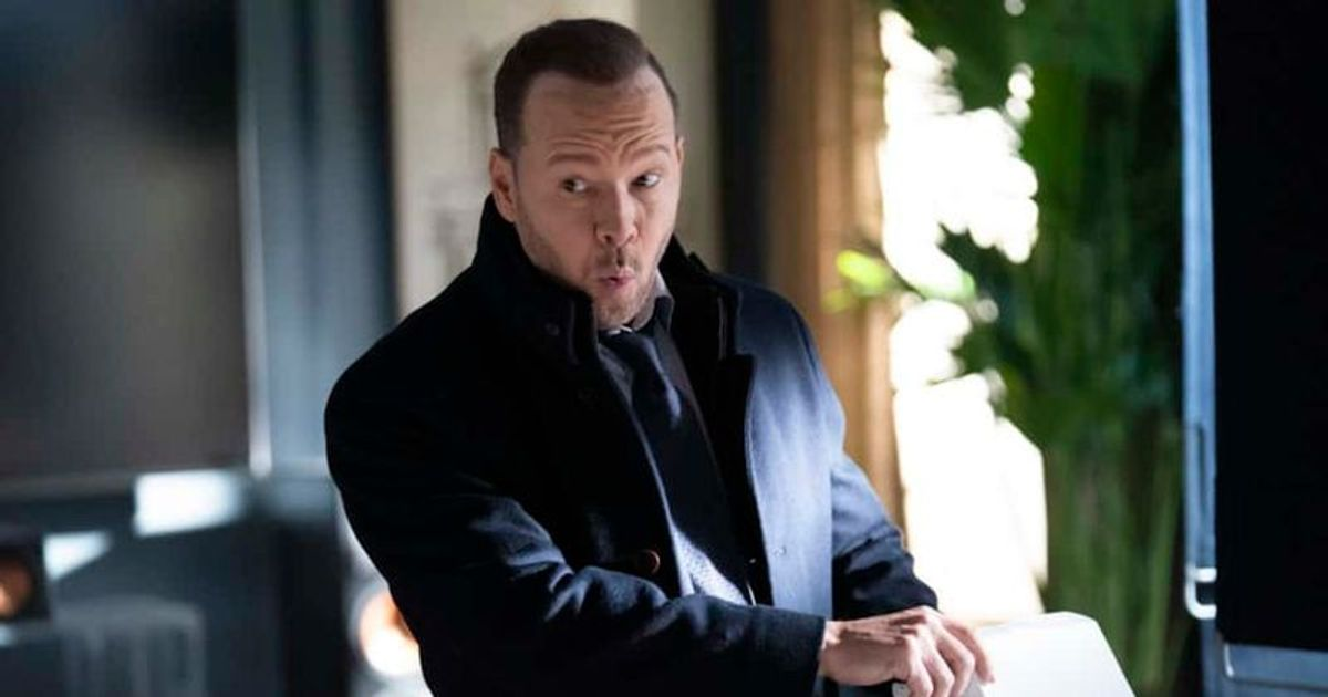Blue Bloods Season 11 Episode 3 Spoilers Danny Says His Brother Is Getting Investigated Is It Because Of Joe S Secret Meaww He now stars at the police commissioner on blue bloods and plays the father of danny, erin, joe he stars on blue bloods as jamie, a police officer and the youngest child in the reagan. blue bloods season 11 episode 3