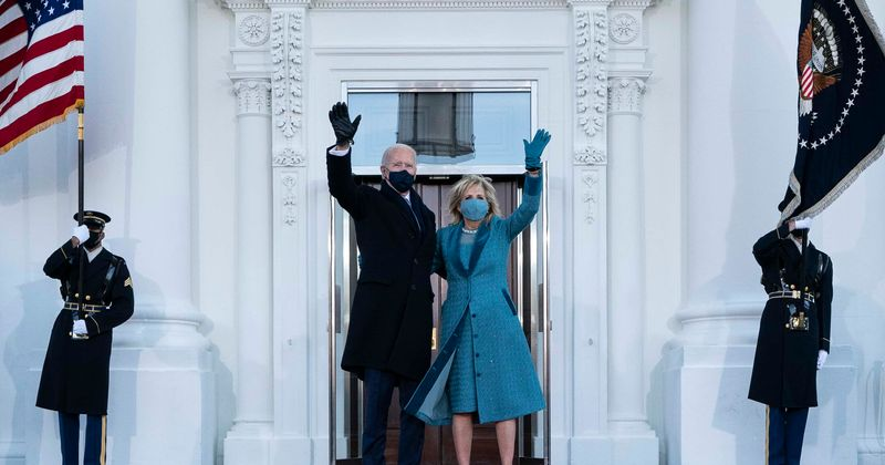 Why was there no usher to open door for Joe and Jill Biden? First family has awkward wait at White House entry