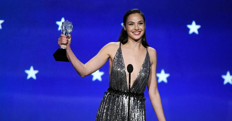 Gal Gadot accepts the #SeeHer Award with a beautiful and inspiring speech
